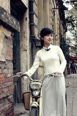 Most lovely girls in Ao dai, ao dai beautiful girl, vietnamese girl in Ao dai, hot girl in Ao dai, Vietnamese hot school girl