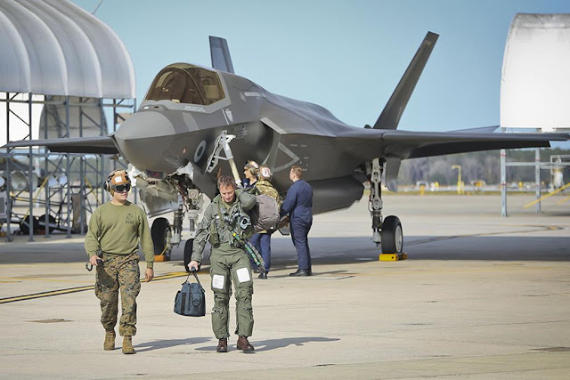 Aviationist UK F-35B delivery