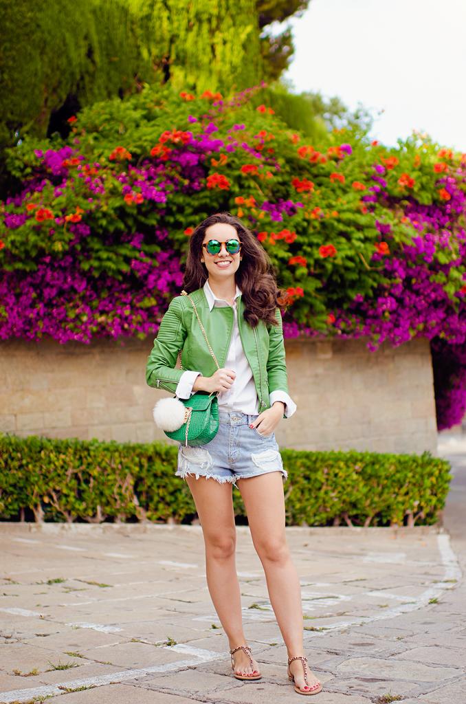 Cómo combinar unos shorts tejanos en tu look
