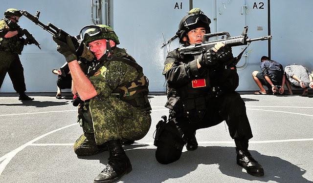 A China é novo aliado da Rússia, os dois voltados contra o mesmo inimigo: o Ocidente.