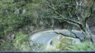 Uma das Curvas em Cotovelo na Estrada da  Serra do Rio do Rastro, em Lauro Müller