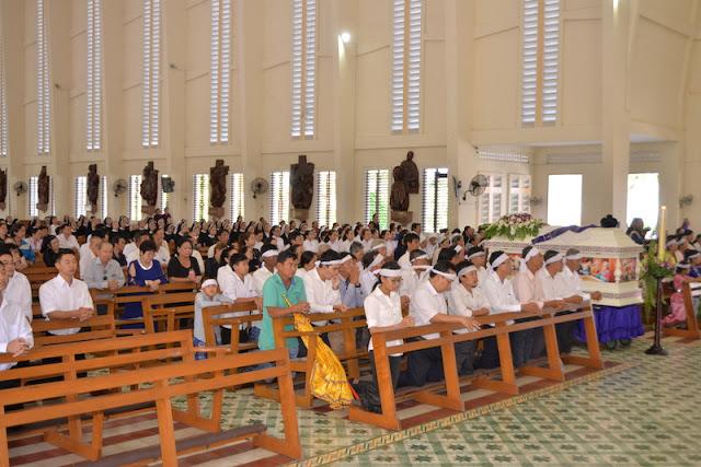 Thánh Lễ an táng Cha Phêrô Bùi Thanh Xuân - Gp Vĩnh Long - Ảnh minh hoạ 3