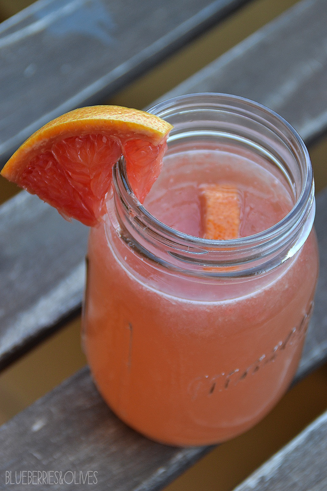 SPARKLING GRAPEFRUIT LEMONADE