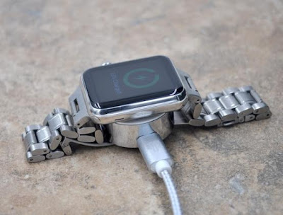 Portable Apple Watch Recharger from Thanotech