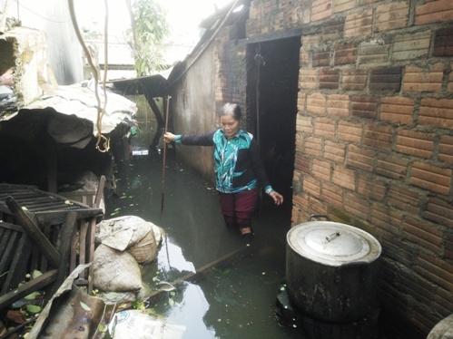 """Gia Lai: Dự án xây dựng bờ kè chống sạt lở làm """"lụt"""" nhà dân"""