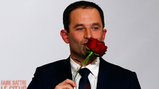 http://www.parismatch.com/Actu/Politique/Le-drole-de-parcours-du-candidat-Hamon-1176158