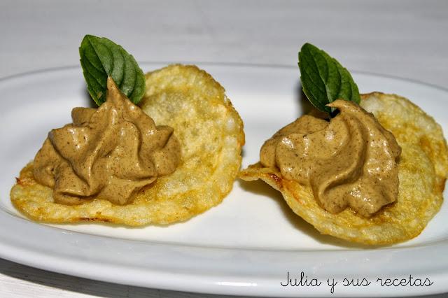 Patatas chips con paté de mejillones. Julia y sus recetas