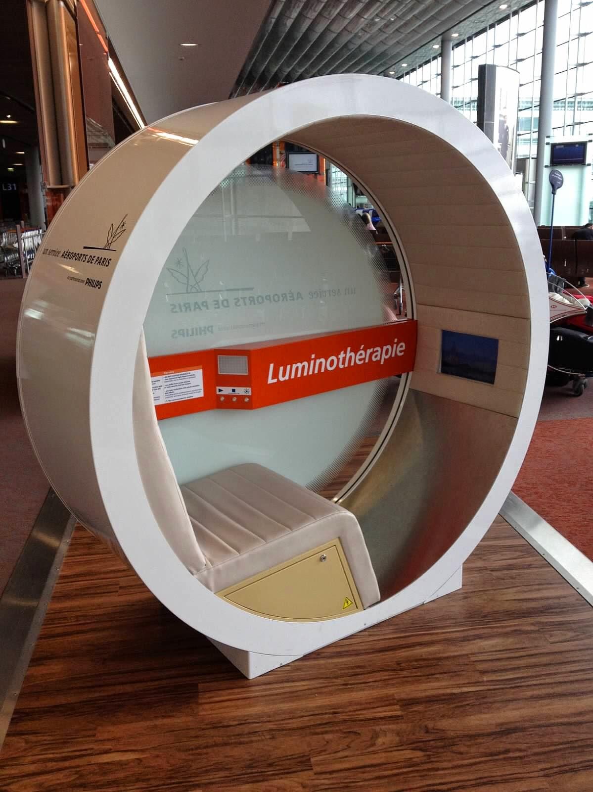 Luminotherapie-Charles-De-Gaulle-Airport-Paris