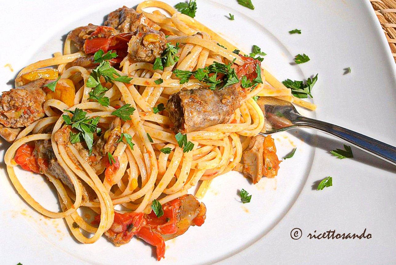 Pasta con peperoni salsiccia e funghi ricetta primi piatti o piatto unico