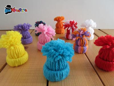 capellini fai da te di lana per segnaposti natalizi