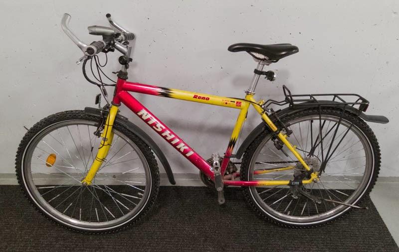 POLOinen.blogspot.fi: Uudet nastarenkaat polkupyörään