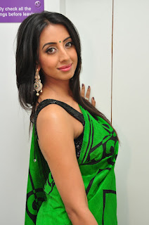 sanjana Looks Stunning Cute in Green Saree and Sleeveless Gorgeous Black Choli Must see