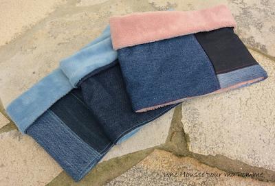 Snoods entièrement faits main, composés de pans de jeans montés façon patchwork, surpiqures bleu clair ou rose fuchsia , intérieur minky bleu ou rose, tissu tout doux bien chaud, appliqués bateau, voiture ou couronne pour l'autre en tissu coton motif géométriques bleu ciel et gris. Dimensions : 56 x 27 cm, à partir de 2 ans.