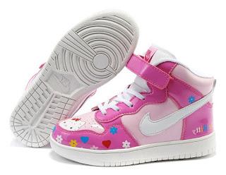 Gambar Sepatu Hello Kitty untuk Anak 7