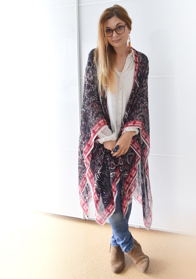 Sommerponcho mit Jeans