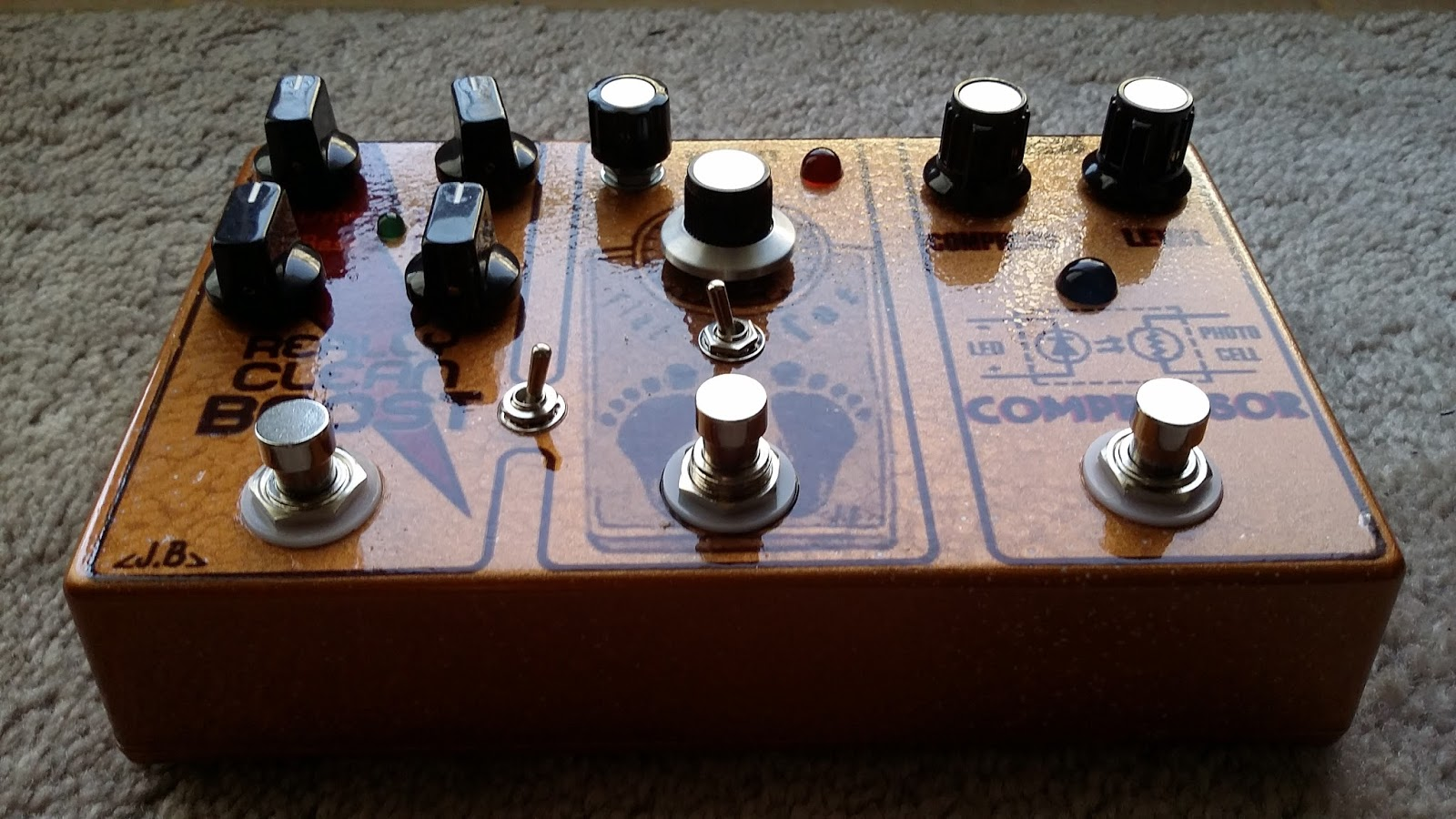 jb pedals compressor comes first and the other two effects can switch order by flipping the middle switch