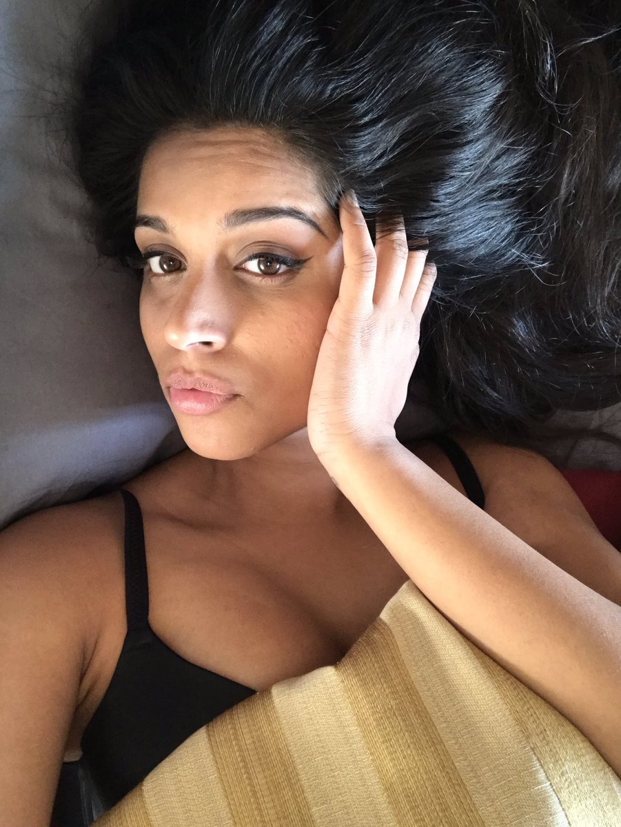 Celeb Around The World: Lilly Singh aka Superwoman ...