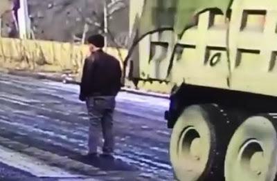 Trabajador Aplastado por Camión