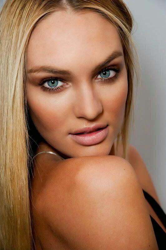 Victoria Secret Model Bronzer