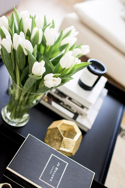 INSTA WORTHY FLOWERS AS DESKTOP ACCESSORIES FOR YOUR OFFICE