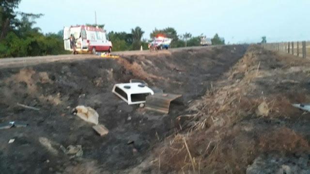 Em acidente grave viatura perde o controle e capota várias vezes ao voltar da cidade de Ariquemes