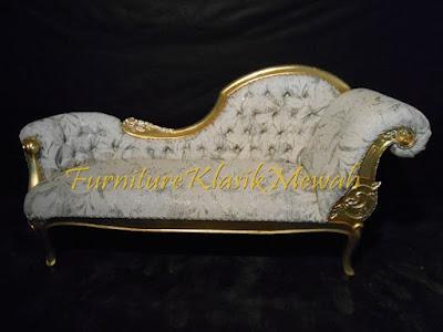 sofa tamu ukiran jati jepara klasik modern duco putih emas silver,furniture klasik mewah,jual mebel jepara005,Toko jati jepara,JUAL MEBEL JEPARA,AIFURINDO,MEBEL UKIRAN JEPARA,MEBEL KLASIK,MEBEL DUCO,MEBEL FRENCH,MEBEL KLASIK JEPARA,MEBEL JATI JEPARA KLASIK MODERN.