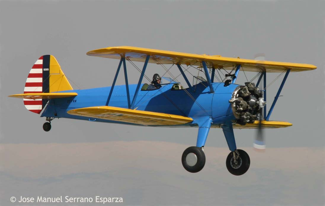 elrectanguloenlamano: STEARMAN MODEL 75: FLIGHT IN ITS