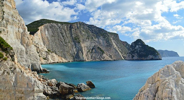 picture of cliffs on Greek island