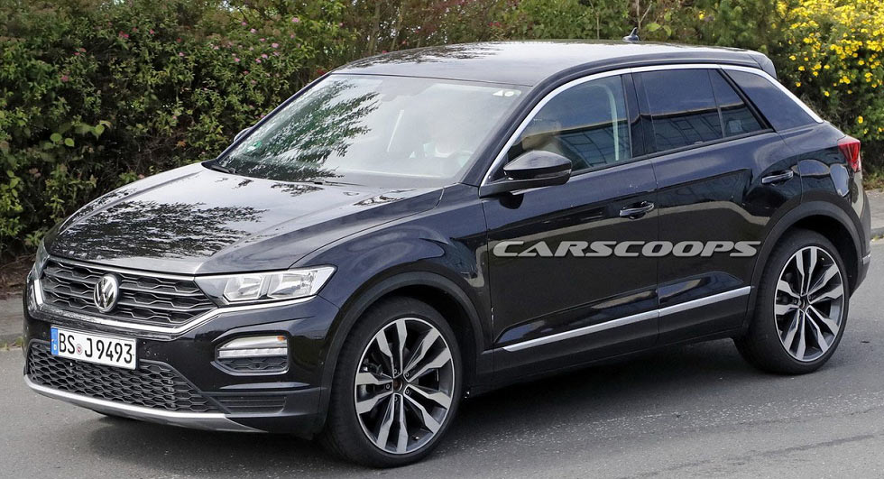 vw t roc hits the streets of germany following its big debut. Black Bedroom Furniture Sets. Home Design Ideas