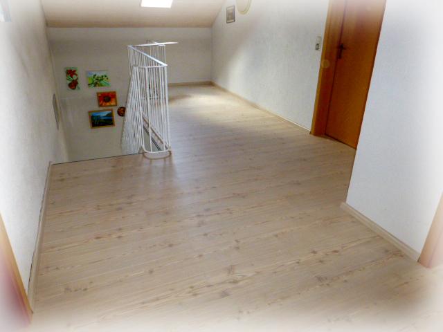 welcome to kerryworld meister laminat da liegt es nun. Black Bedroom Furniture Sets. Home Design Ideas