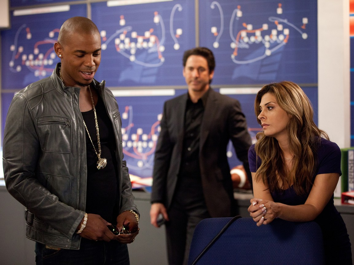 Necessary Roughness - Season 1 Episode 06: Dream On