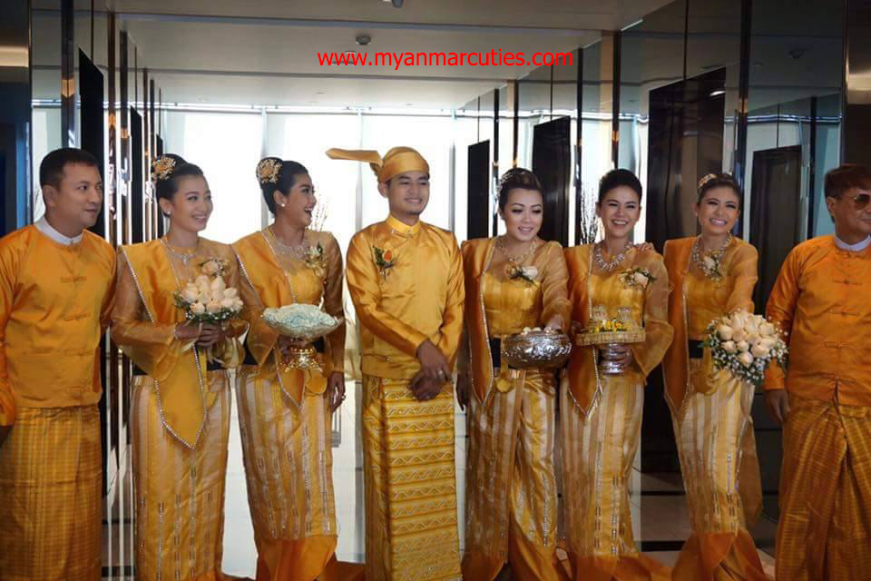 Chit thu wai wedding rings