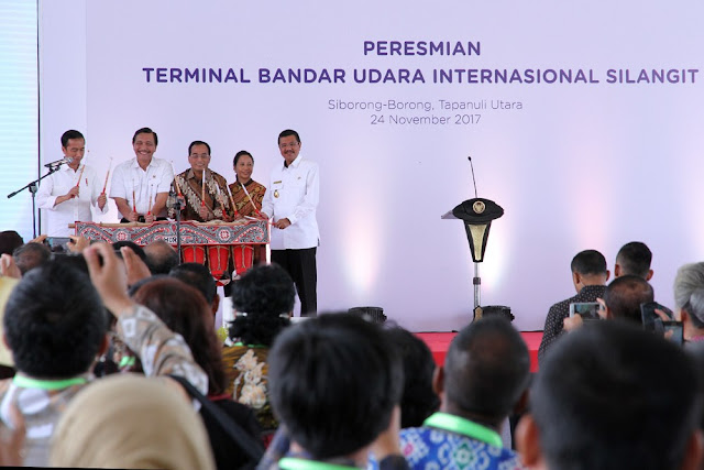 Jokowi Resmikan Bandara Internasional Silangit, Gubsu Minta Dibesarkan