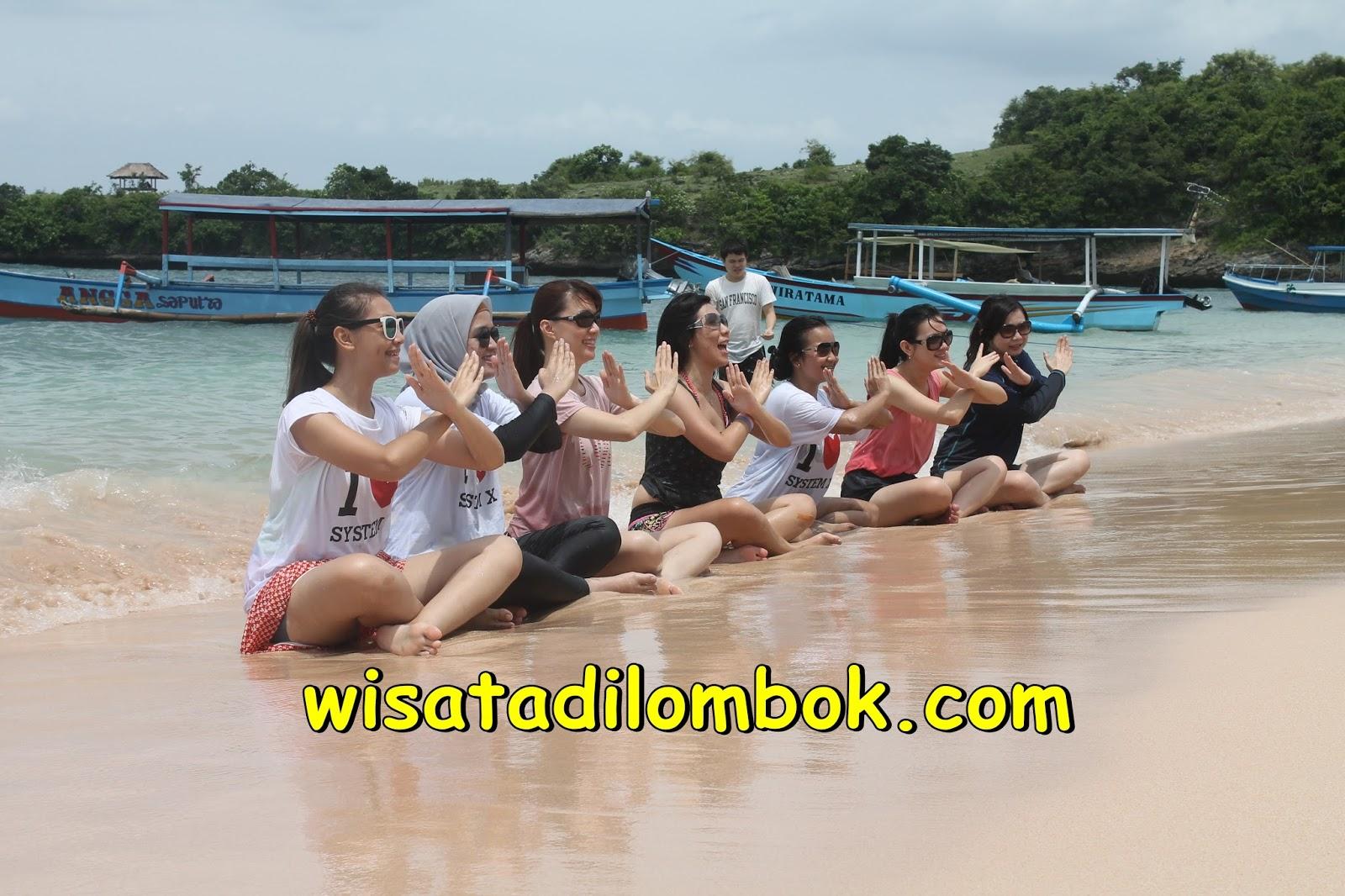 Gambar Paket Wisata Pantai Pink Lombok 3 Hari 2 Malam