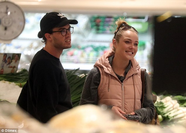 Makeup free Jessica Marais steps out with boyfriend Jake Holly