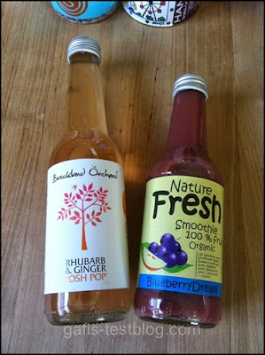 Rhubarb and Ginger Posh Pop und Blueberry Dream-Smoothie