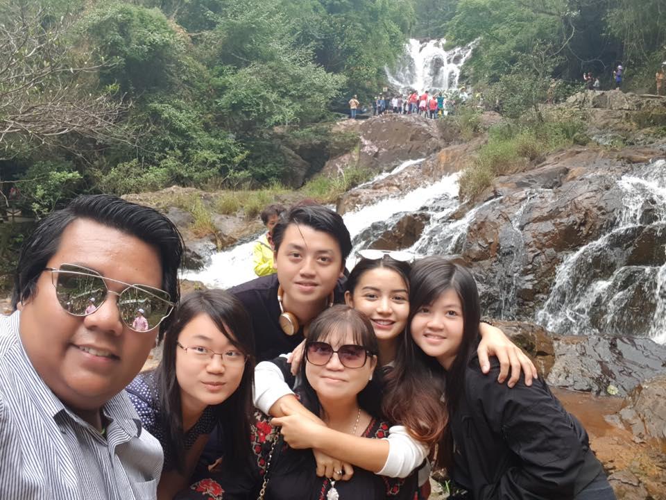 Fun Snaps : Khin Wint Wah Family Trip To Vietnam