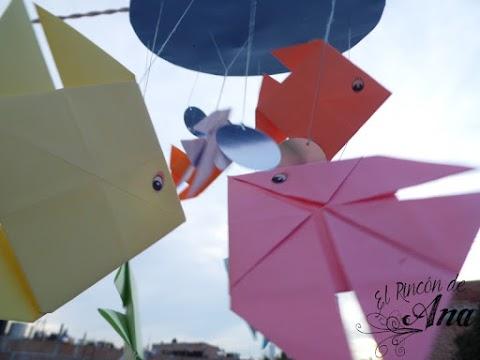 Móvil con peces de origami
