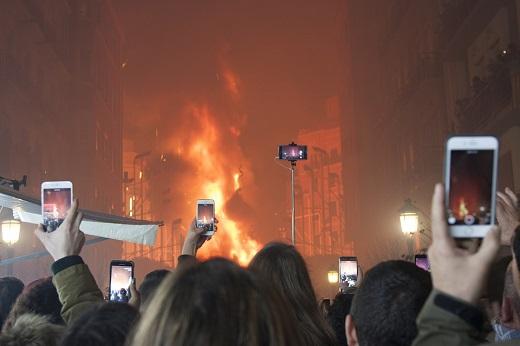 La Agència Valenciana del Turisme emite en Facebook Live la Cremà de Las Fallas de València