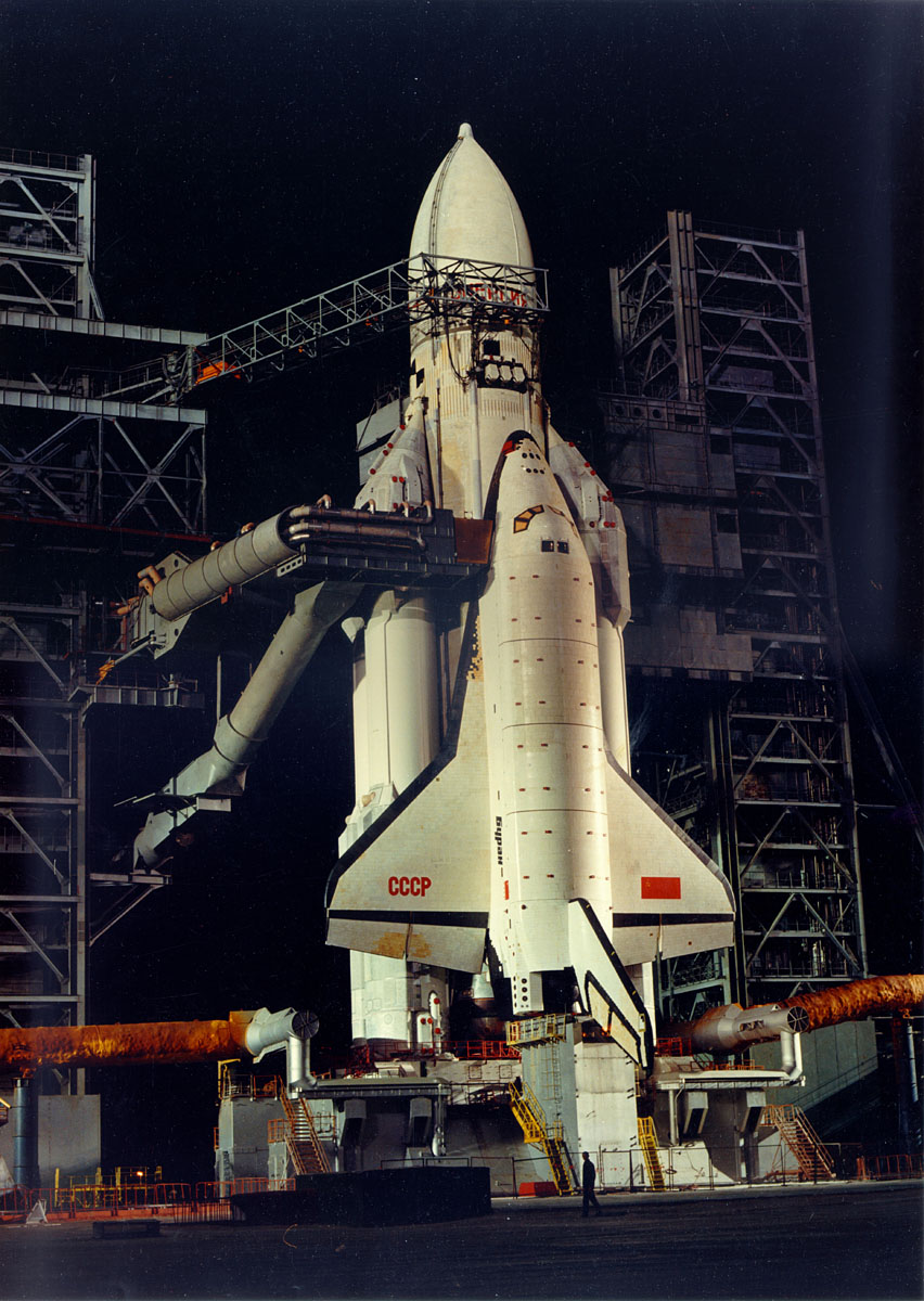 Daily Lazy: Buran, Russian Space Shuttle
