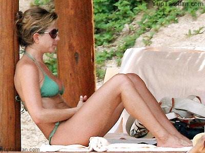 Jennifer Aniston Hottest Bikini Pictures-Sexiest Photoshoot