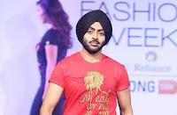 Karan Singh Chhabra pemeran Shivam di serial drama India Brahmarakshas ANTV