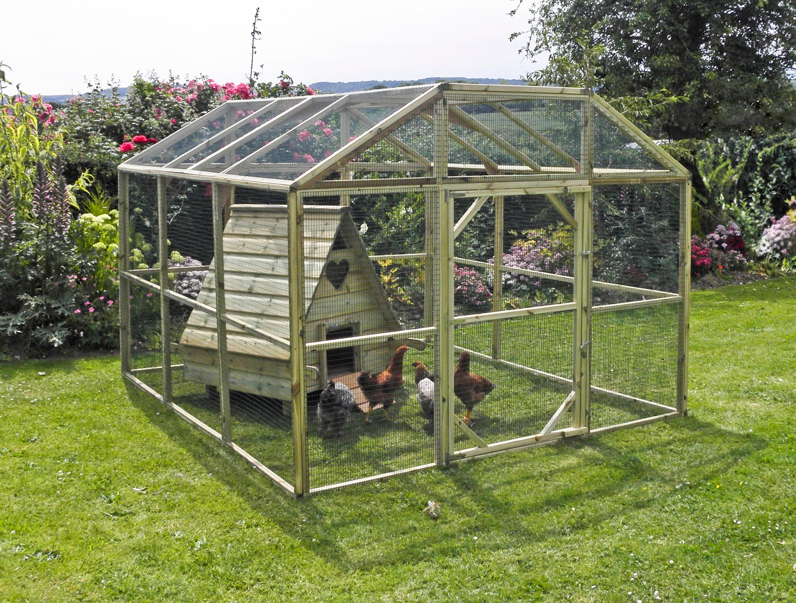Flyte so fancy predator proof hen houses made in the uk for Fancy chicken coops
