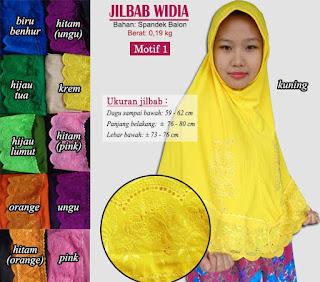 Jilbab bergo instan dengan hiasan renda-widia motif 1