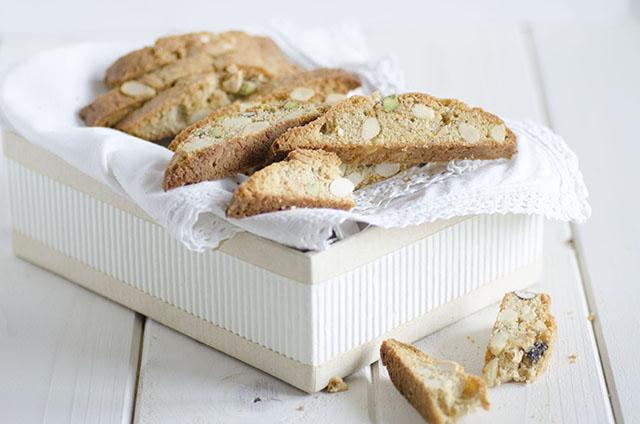 Biscotti alle mandorle e pistacchi
