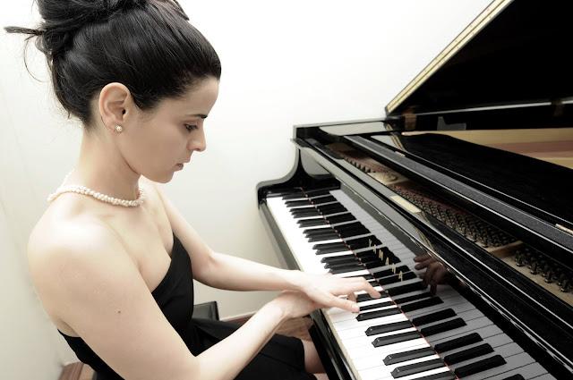 Ρεσιτάλ πιάνου με την Έλενα Παπανικολάου από τον Φιλοζωικό Σύλλογο Άργους Λάϊζα
