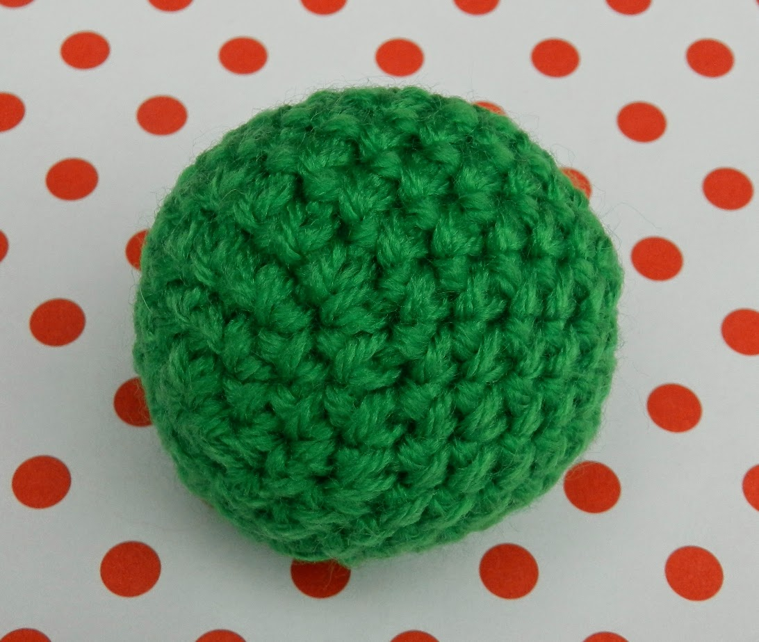 Uso el mismo procedimiento para tejer esferas de diferentes tamaños. a9021e62968