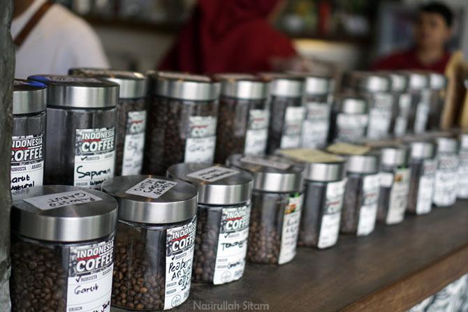 Stoples biji kopi yang tersedia