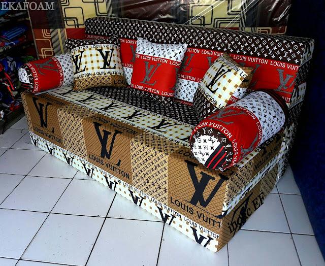Sofa bed inoac motif Elve merah putih