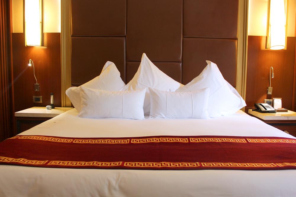 Sumaq bedroom, luxury hotel at Aguas Calientes, Peru - lifestyle & travel blog